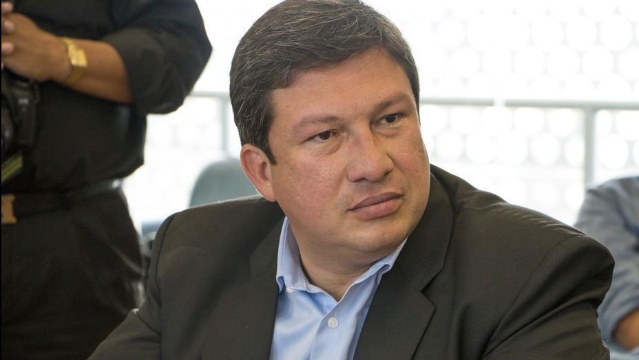 Ecuador da 30 d as a los extranjeros para regularizar su for Quien es el ministro de interior