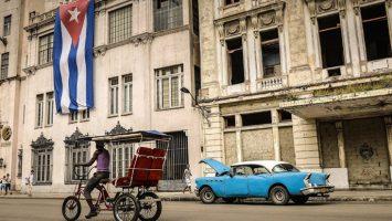 Cuba elimina el peso convertible para adaptar la moneda local a la realidad económica mundial.