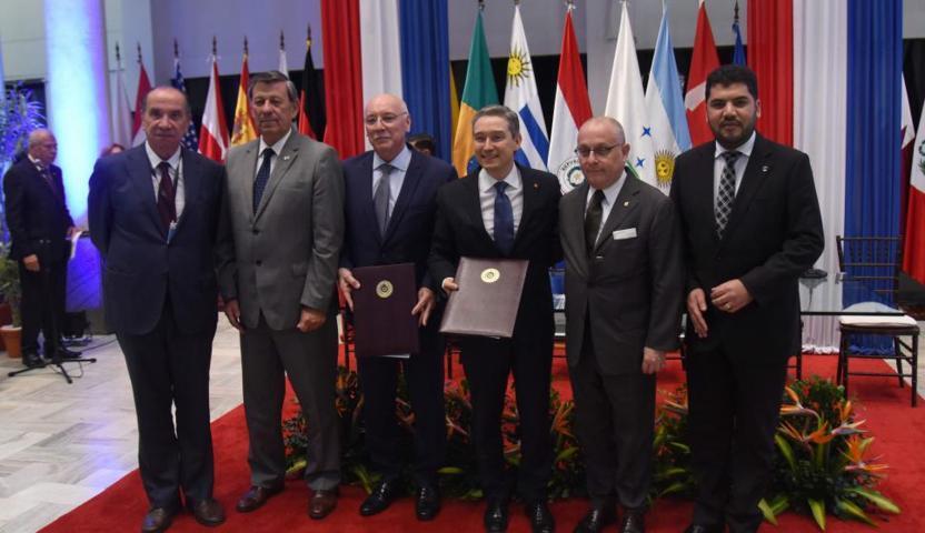 Reunión entre los representantes del Mercosur y del Gobierno de Canadá.