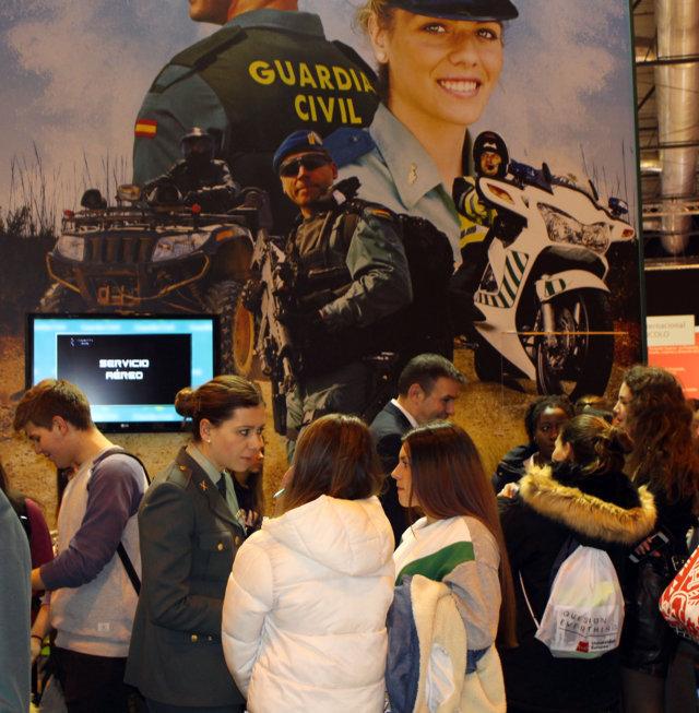 España ofertará 2.200 vacantes para el cuerpo de Guardia Civil, 450 son para promoción interna y 150 para escala de oficiales.