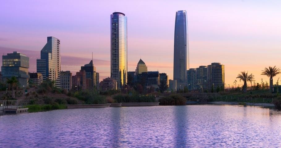 La aerolínea española introducirá la clase 'turista premium 'en sus vuelos a Chile.