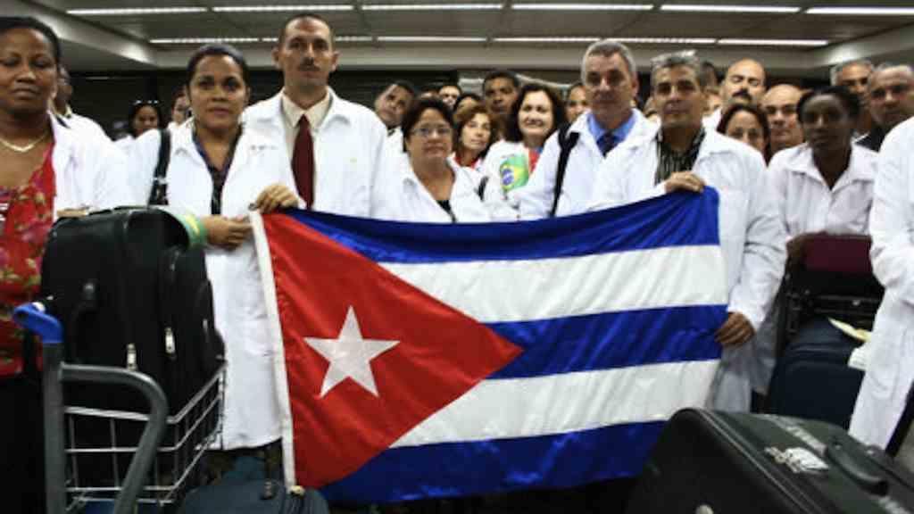 El Gobierno de Brasil expresa que la reducción no implica una exclusión de médicos cubanos al programa.