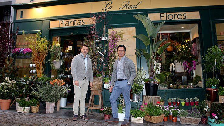 Jhon Núñez y Alfonso Martínez, fundadores de la floristería La Real.