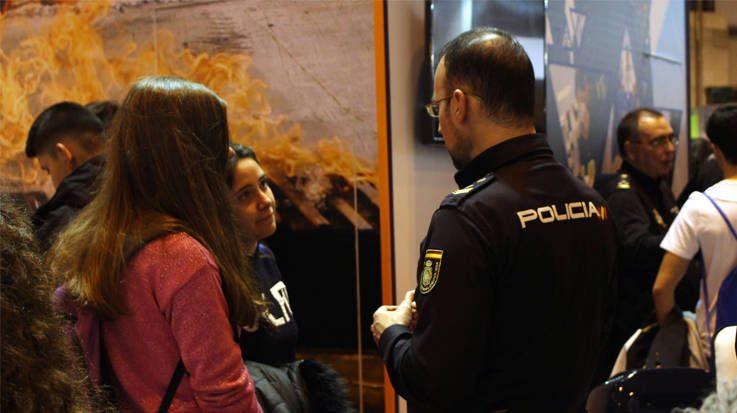 Del total de plazas ofertadas de empleo público, 3.200 son para el Cuerpo Nacional de Policía y 2.575 para la Guardia Civil.