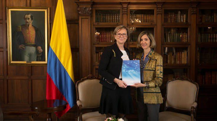 Patricia Llombart, embajadora de la UE en Colombia, y Patti Londoño, viceministra de Relaciones Exteriores de Colombia.