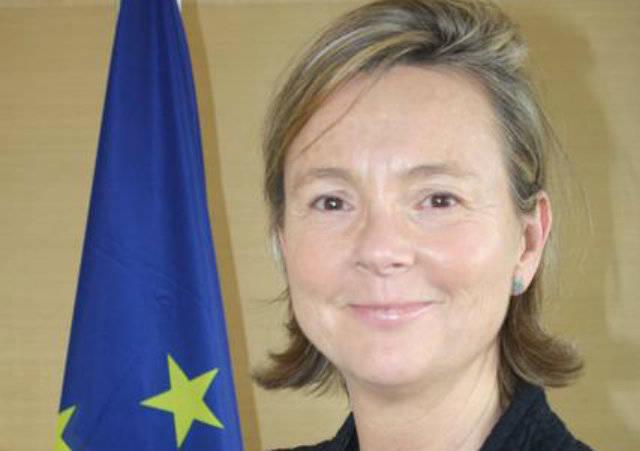 Patricia Llombart cuenta con 20 años de experiencia en el área de Relaciones Internacionales y Política Exterior de distintas instituciones europeas.