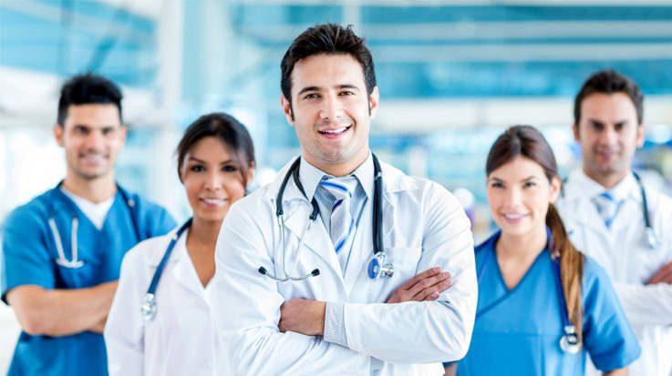 Una de las plazas ofertadas estará destinada a profesionales sanitarios con discapacidad.