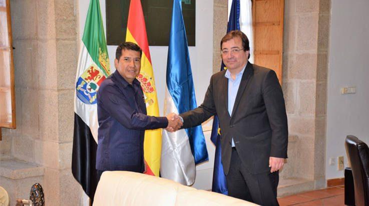 Guillermo Fernández Vara, presidente de la Junta de Extremadura, y Carlos Antonio Midence, Embajador de Nicaragua en España.