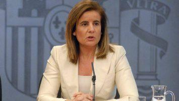 Fátima Báñez, ministra de Empleo, ha acordado repartir un total de 2.054,8 millones de euros para políticas activas de empleo en las comunidades autónomas.