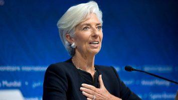 Christine Lagarde explica que las criptomonedas no son un peligro cercano debido a su poca presencia con el sector financiero.