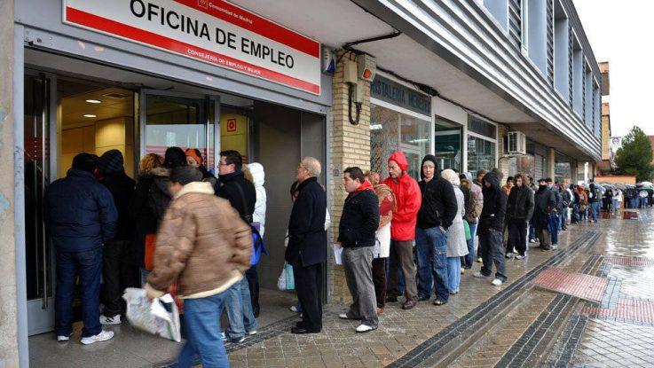 España registra un total de 3.796.100 personas desempleadas en el primer trimestre de 2018.