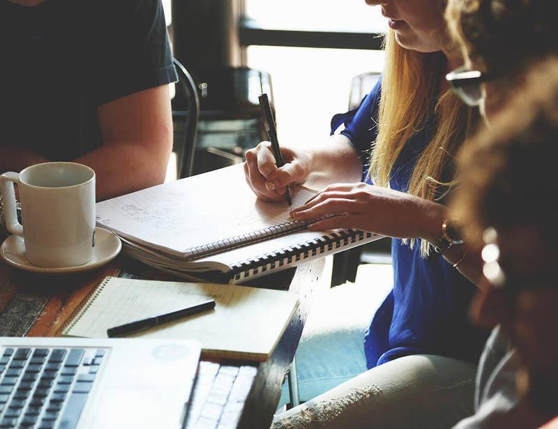 Darse a conocer por medio del boca a boca permitirá generar un primer grupo de clientes que impulse el negocio.