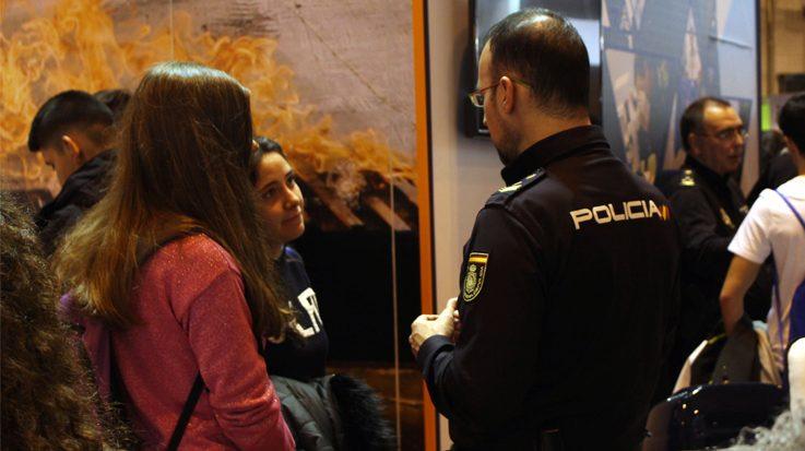 La entrevista personal para la OPE a Policía Nacional sirve para conocer la personalidad, actitud y capacidades de los aspirantes.