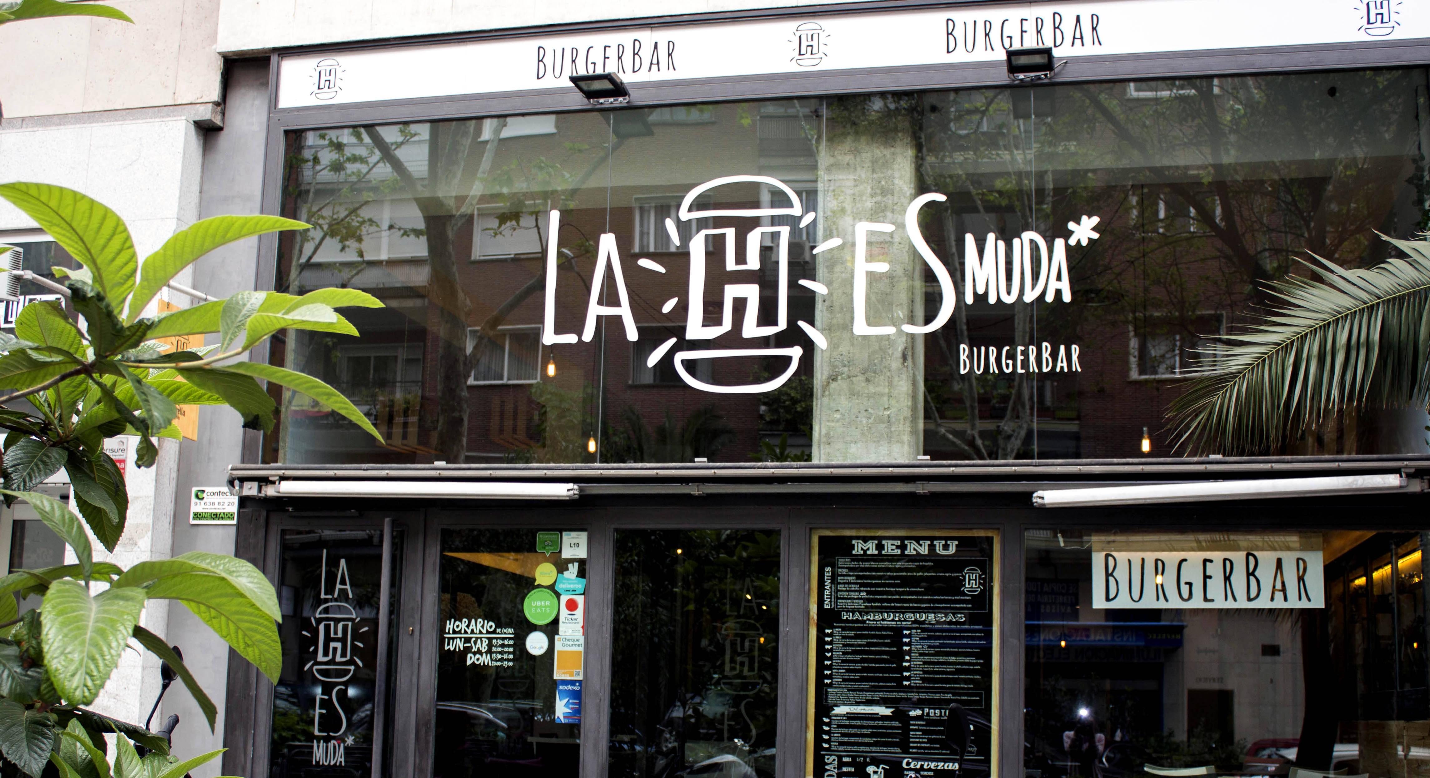 Los fundadores de 'La H es muda' estudian la apertura de un nuevo local en las afueras de Madrid u otra ciudad española.