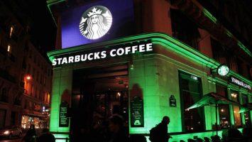 Nestlé ha llegado a acuerdo con Starbucks para adquirir por 5.988 millones de euros los derechos perpetuos de la cadena de cafeterías.