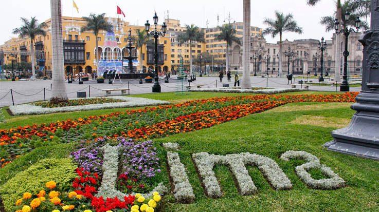 La caída de los ingresos fiscales obliga a Perú a reorganizar su gasto público.