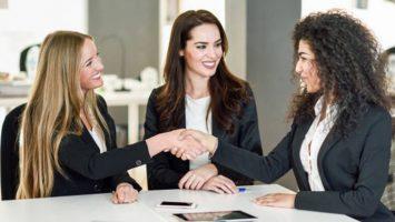 El BEI junto con CaixaBank firman un acuerdo para apoyar a las pymes innovadoras y que estén en proceso de internacionalización.