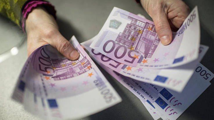 El FMI señala que la subida salarial en Europa llevará tiempo por la disminución de la seguridad laboral generada por las crisis financieras.