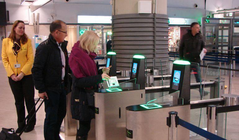 Las modificaciones en el sistema permitirán hacer comprobaciones más exhaustivas de los antecedentes de los solicitantes de visado.