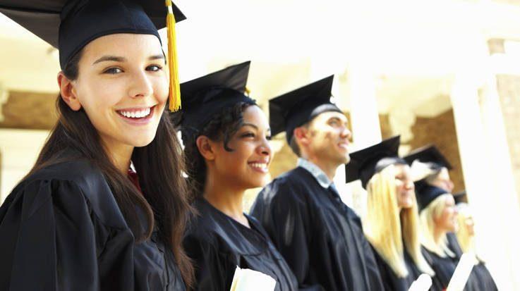 El Ministerio de Educación establece los procedimientos para homologar las 36 titulaciones profesionales reconocidas en España.