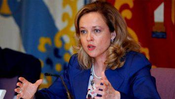 La nueva ministra de economía se enfrentará a retos como los PGE, reducción del déficit, privatización de Bankia, y la Ley Hipotecaria, entre otros.