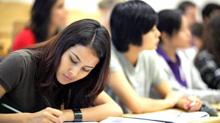Las notas de corte oscilan entre los 11,771 y los 13,11 puntos para el grado de Medicina en 2018.