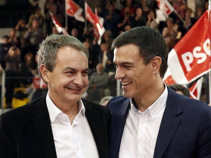 Pedro Sánchez, presidente de España, junto al expresidente José Luis Rodríguez Zapatero.
