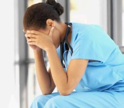 Un estudio de la Universidad de Granada han revelado los altos niveles de estrés registrados por los MIR antes de una guardia.