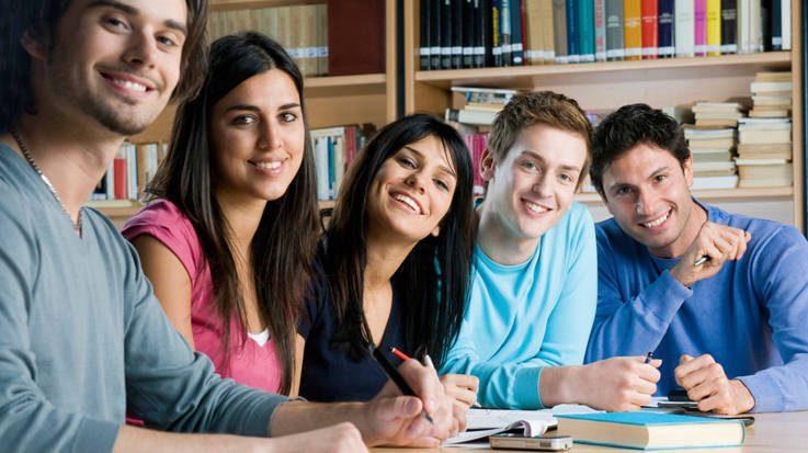 La Comisión Europea propone aumentar hasta 30.000 millones de euros el presupuesto del Erasmus 2021-2027.
