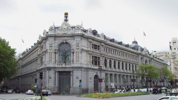 El Banco de España aumenta una décima, hasta el 2,4 por ciento, la previsión de crecimiento del PIB en 2019.