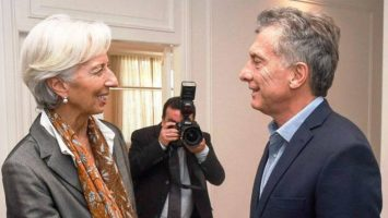 Christine Lagarde, presidenta del Fondo Monetario Internacional, junto a Mauricio Macri, presidente de Argentina.