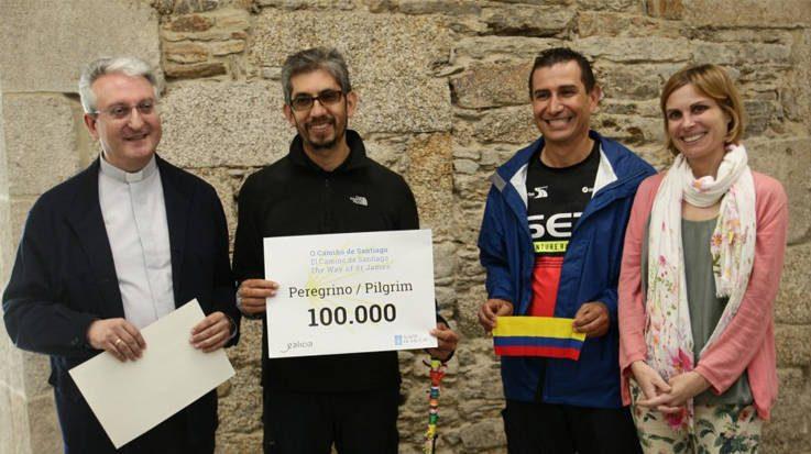 Jorge Enrique Forero es el peregrino número 100.000 del Camino de Santiago, tras 33 días y 799 kilómetros recorridos.