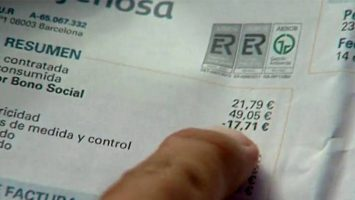 La Comisión Nacional de los Mercados y la Competencia, y la Fundación Civio han creado una app que permite comprobar y tramitar el derecho al Bono Social eléctrico.