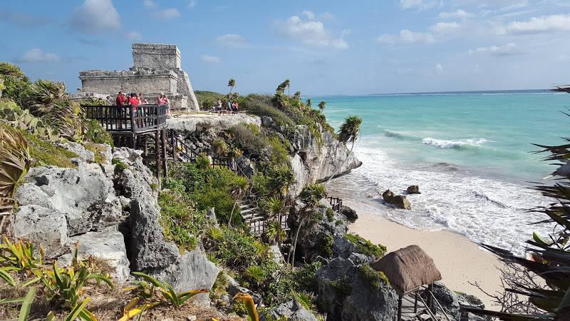 El turismo en el Caribe ha registrado una baja del 9 por ciento, producto de las catástrofes ambientales y problemáticas en la región.
