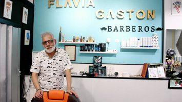 Jorge Ferreyra, propietario de la Barbería Flavia & Gastón.