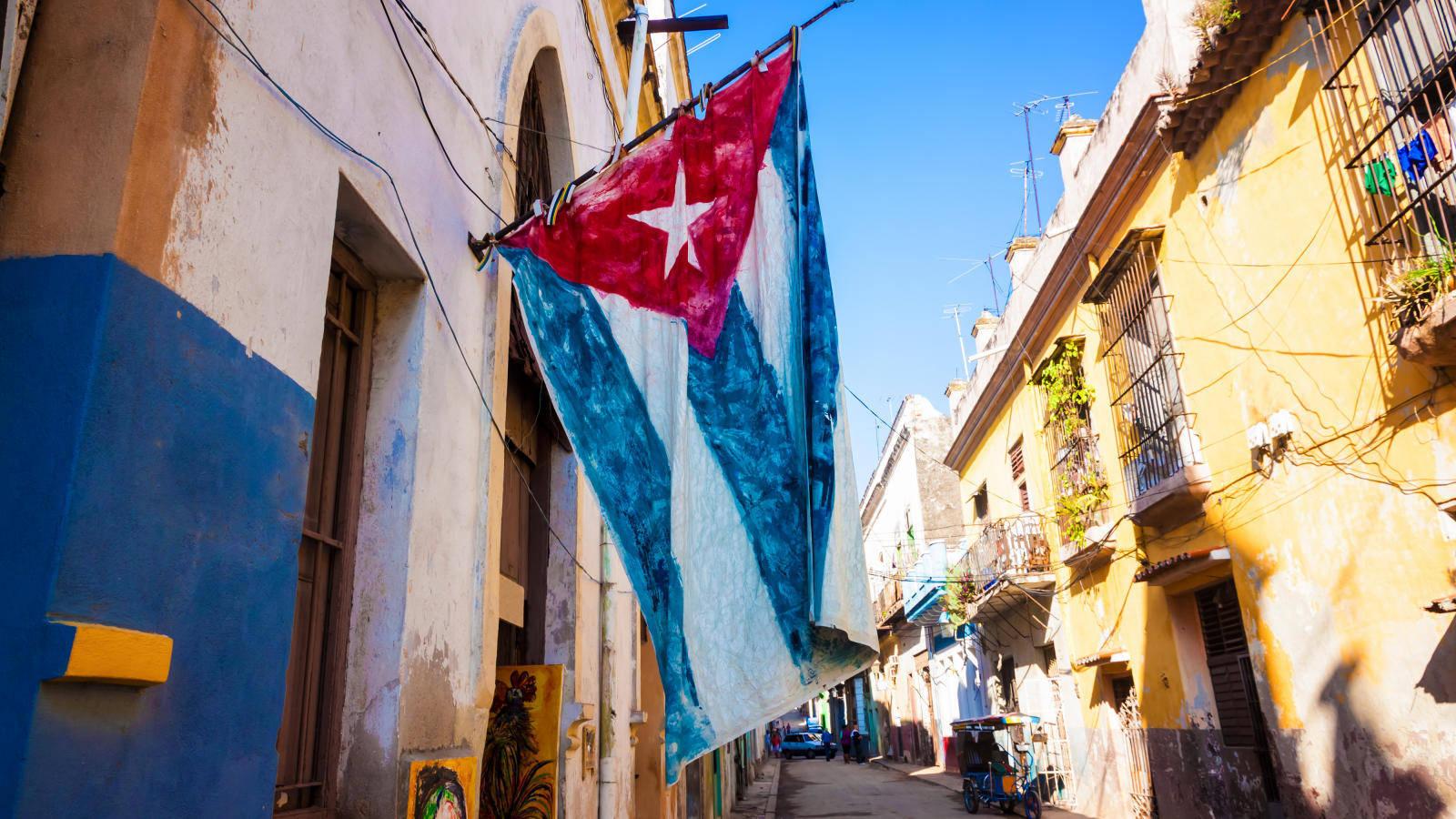 """Los cubanos podrán establecer un """"precio libremente concertado"""" de alquiler con previa autorización de la Dirección Municipal de Trabajo."""