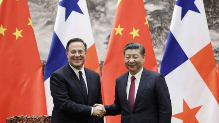Juan Carlos Varela, presidente de Panamá, y Xi Jinping, presidente de la República Popular China.