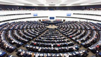 La Comisión Europea ha rebajado su previsión del crecimiento de la economía española durante 2018, quedando en un 2,8 por ciento.