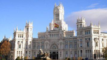 Correos recibió ayudas económicas y beneficios fiscales superiores a sus necesidades, según la Comisión Europea.