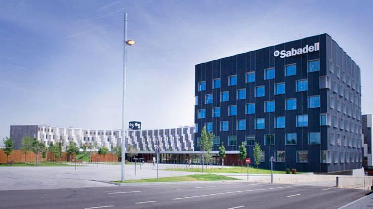 Sabadell hará la transmisión de dos carteras de activos inmobiliarios al fondo norteamericano Cerberus.