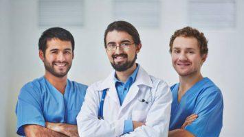 Los médicos extracomunitarios contarán con 469 plazas, 8 más que en 2018.