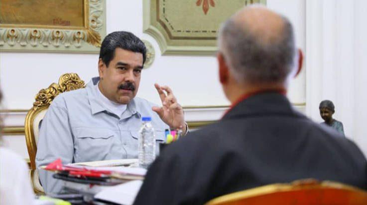 Nicolás Maduro anuncia un plan nacional para revertir la tendencia negativa de la economía en Venezuela.