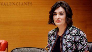 Carmen Montón, ministra de Sanidad, señala que un sistema universal de salud generará un ahorro para el Estado.