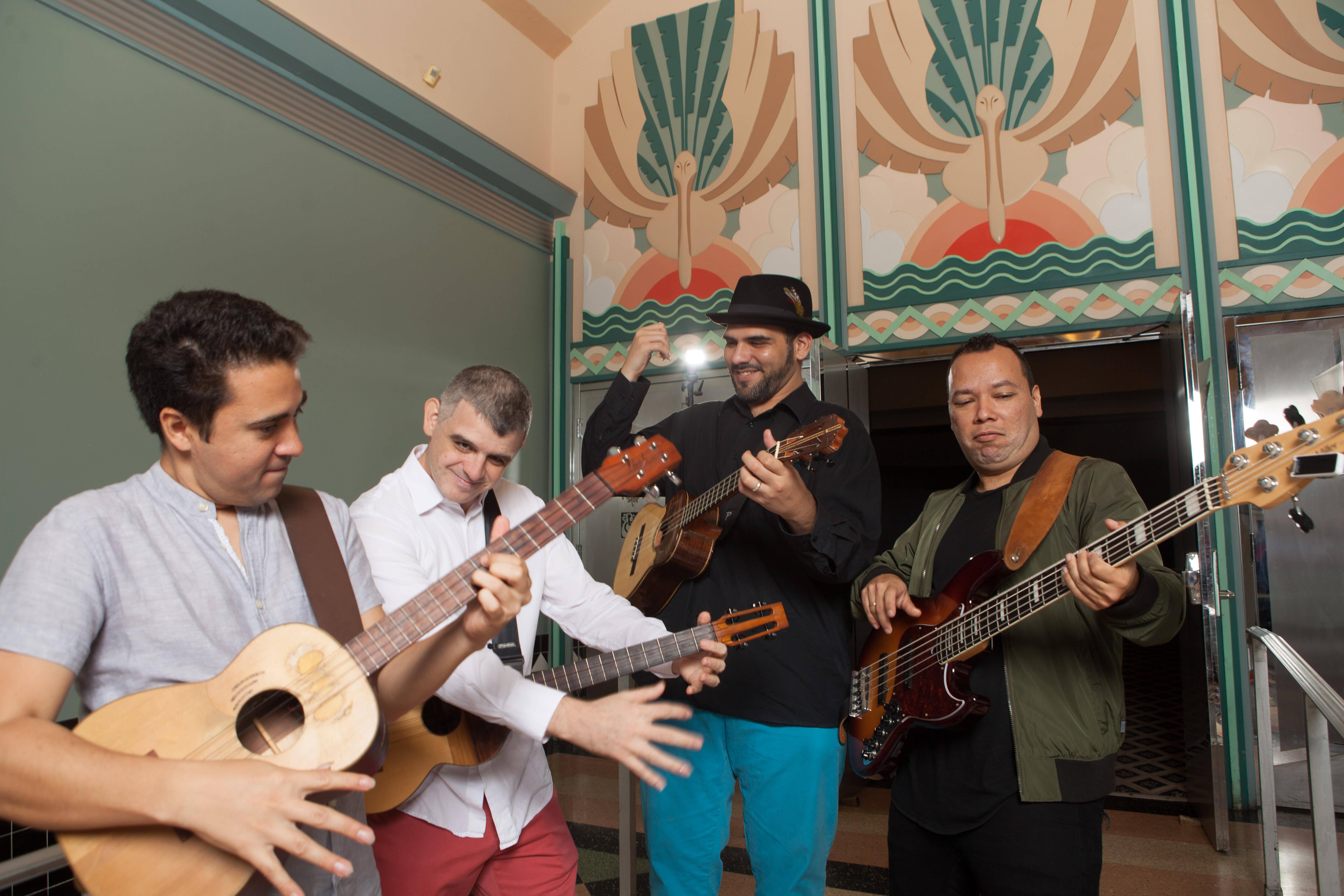 C4 trio culminará su gira en la ciudad de Madrid el jueves 2 de agosto en el Café Berlín.
