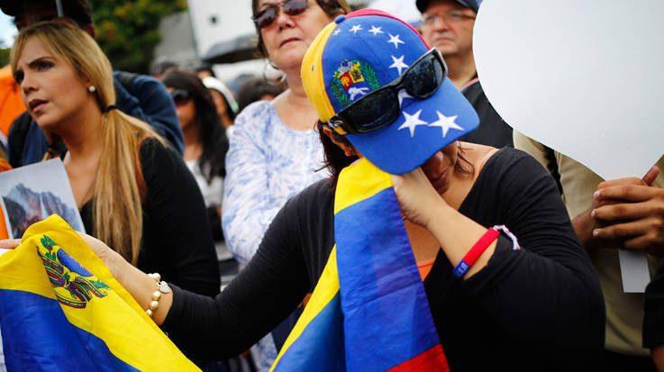 Ministerio de Trabajo e Inmigración está analizando la solitud para la aprobación de la Protección Temporal para los venezolanos.