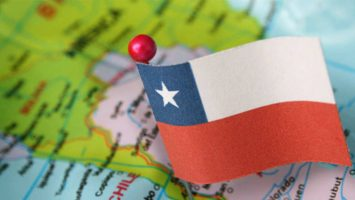 La economía de Chile se ha expandido un 4,9 por ciento en junio, una décima menos que las estimaciones previstas.