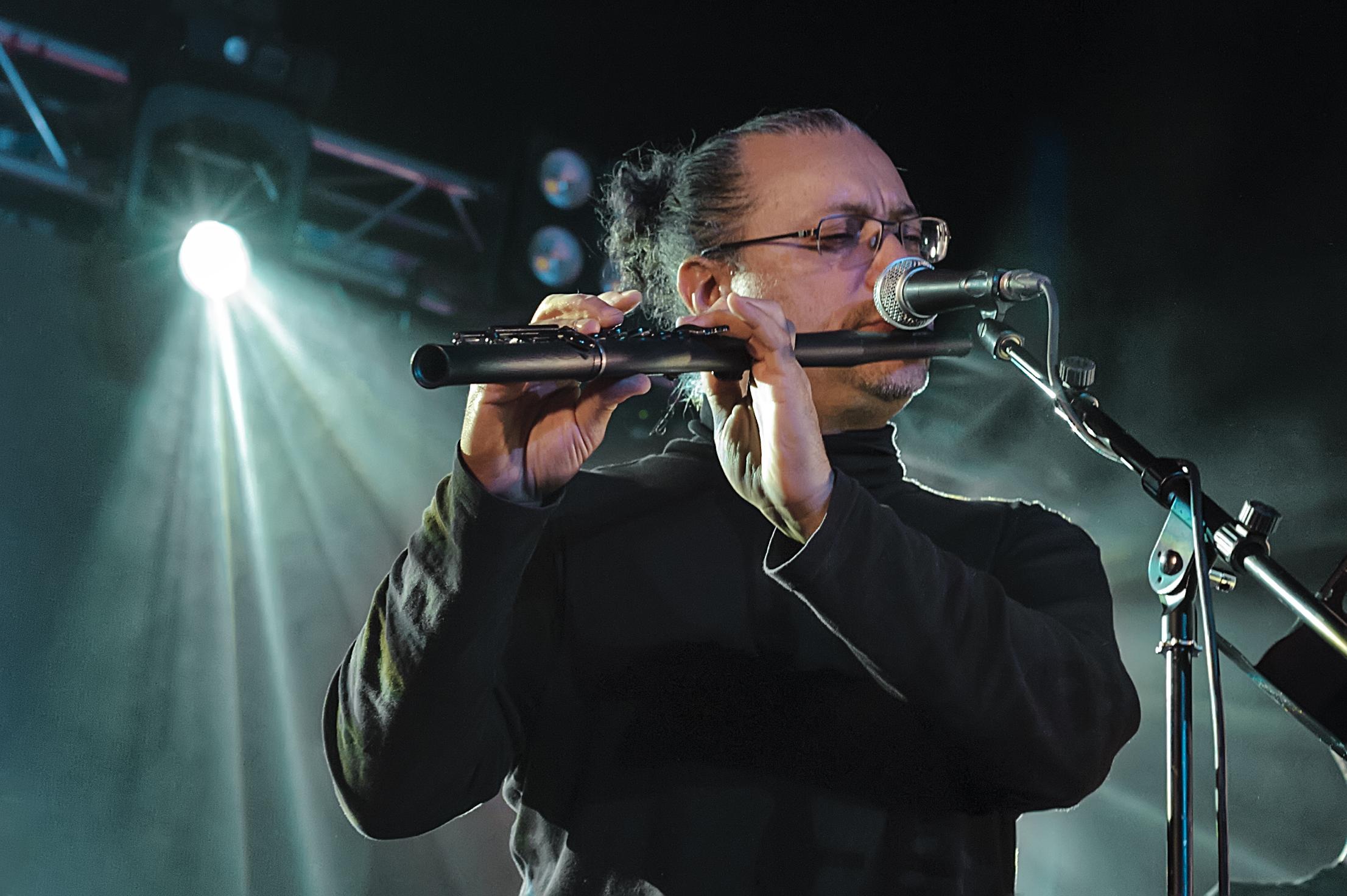 Omar Acosta, flautista invitado.