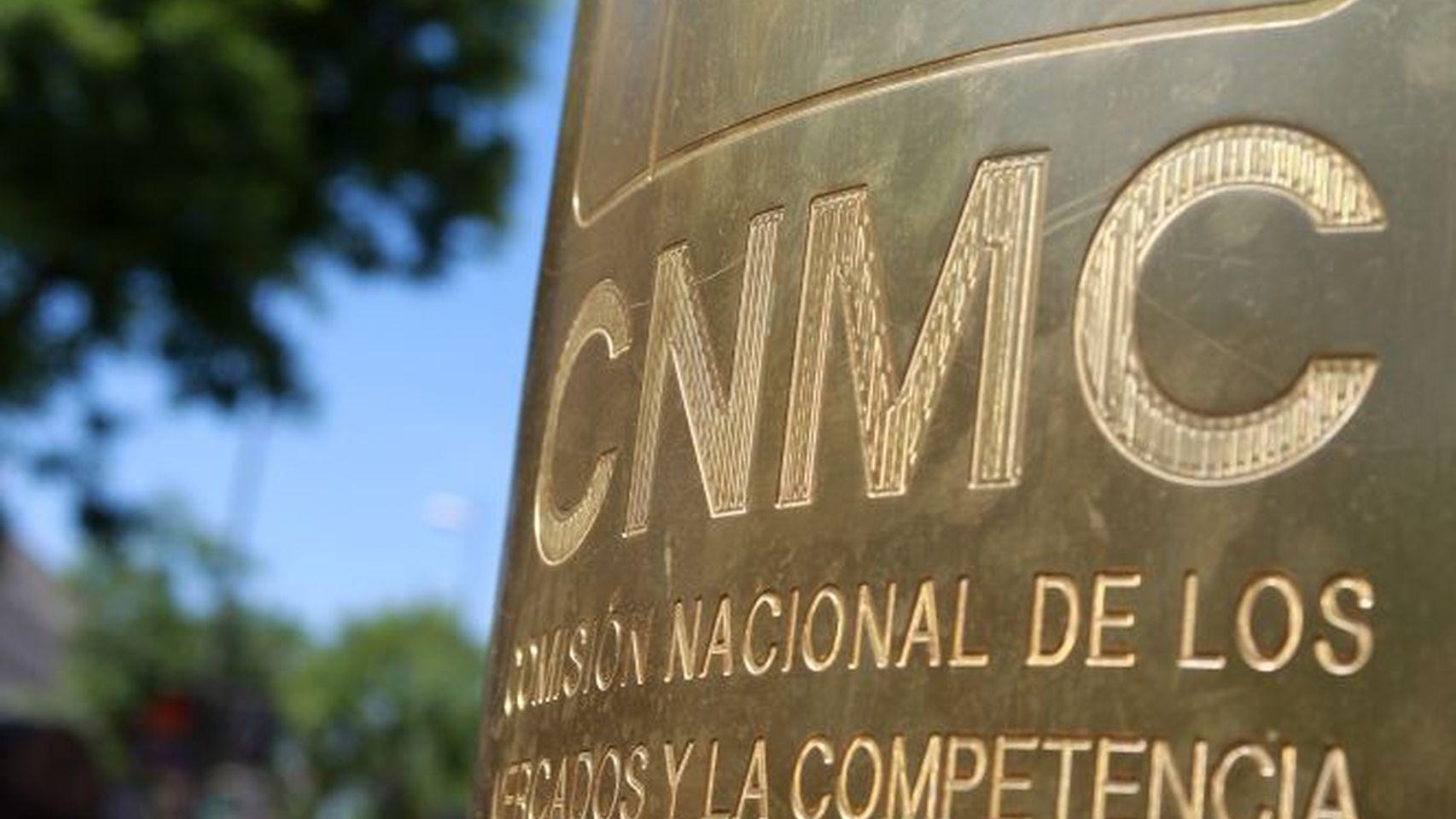 La CNMC constató que los consumidores presentaron el año pasado 1,5 millones de reclamaciones contra compañías eléctricas y de gas.