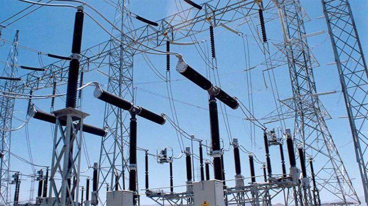 La CNMV asegura que las compañías eléctricas registraron 1,13 millones de reclamaciones provenientes de consumidores.