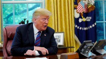 Estados Unidos firma con México el nuevo TLCAN, dejando fuera a Canadá.